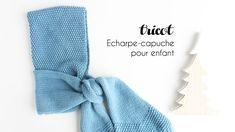 Idéal pour les petits, cette écharpe-capuche est facile à tricoter ! Découvrez mes explications pour réaliser ce tricot avec une laine 100% merino. Diy Crochet, Crochet Baby, Snow Much Fun, Alice, Hooded Scarf, Baby Dress, Hoods, Stationery, Knitting