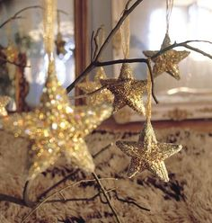 christmas-decorations-gold