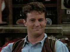Matthew Perry Chandler Friends, Joey Friends, Friends Tv Show, Matthew Perry, Chandler Bing, Memes, Favorite Tv Shows, Actors, Celebrities