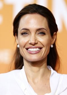 Angelina Jolie - Second day of the 'End Sexual Violence in Conflict' summit and embraces campaigner whose daughter was attacked by gang Angelina Jolie, Brad And Angelina, The Hollywood Reporter, Most Beautiful Women, Pretty People, Daughter, Actors, Celebrities, Beauty