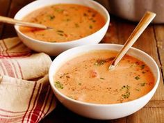Best Tomato Soup Ever recipe from Ree Drummond via Food Network. Recipe tried and very yummy. Roasted some grape tomatoes with garlic and added to soup also. Canned Tomato Juice, Best Tomato Soup, Tomato Soup Recipes, Tomato Tomato, Tomato Bisque Soup, Cream Of Tomato Soup, Fresh Tomato Chili Recipe, Cheese Recipes, Tomato Bisque Recipe
