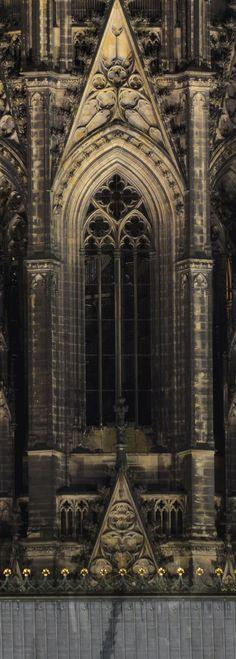 Fenster im Turm - Kölner Dom     Zrip.de | Zoobrücke, Hohenzollernbrücke und Dom – Köln Wallpaper