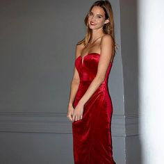 Purchase Velvet Allure Dress featured by Yumi Kim in jewel emerald velvet, red velvet, black or navy. Party Wear Frocks, Party Dress Sale, Holiday Party Dresses, Satin Dresses, Nice Dresses, Glitter Party Dress, Red Evening Gowns, Designer Party Dresses, Frocks For Girls