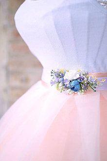 zuzig - Flowers in the hair. Folklore, Tulle, Ballet Skirt, Flowers, Skirts, Hair, Fashion, Moda, Skirt