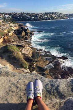 cliffside view of the ocean in Sydney