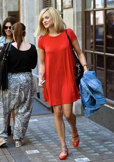 Fearne Cotton media gallery on Coolspotters. See photos, videos, and links of Fearne Cotton. Fearne Cotton Hair, Outfits Spring, Bella Hadid Outfits, Gamine Style, Casual Outfits, Fashion Outfits, Fashion Ideas, Beautiful Outfits, Beautiful Shoes