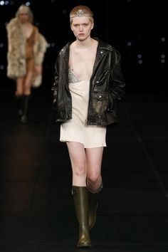 Saint Laurent Spring 2016 Ready-to-Wear Fashion Show - Ruth Bell (Elite)