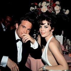 Natalie Wood and Warren Beatty share an on & off screen relationship while filming Elia Kazan's prosaic drama, 'Splendor in the Grass'. 1961.