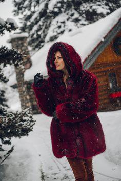 Red Fur, White Face Mask, Snow Bunnies, Fox Fur Coat, Fur Fashion, Winter Outfits, Dress Up, Feminine, Fur Hats