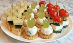 3 types of incredibly delicious cheese canapes for the New Year – Dinner Recipes Snacks To Make, Easy Snacks, Easy Meals, Gourmet Dinner Recipes, Cooking Recipes, Brunch Party, Christmas Appetizers, Mini Foods, Appetisers