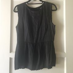Madewell silk sleeveless top Lovely Madewell silk tank. Only worn a few times. Madewell Tops Blouses