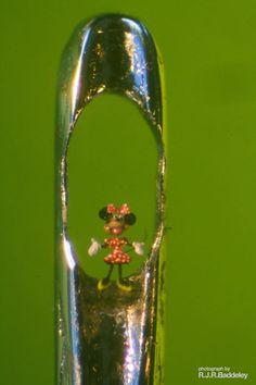 Willard Wigan microscopic sculptures.
