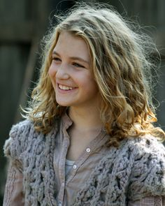 """Sophie NELISSE  is playing Liesel Meminger in """"The Book Thief """" ( 2014 )"""