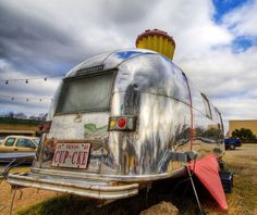 The Cup Cake Airstream of Austin
