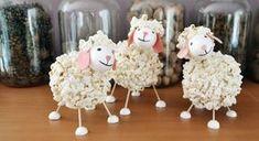 ovečka z popcornu - návod /sheep made from popcorn - tutorial http://www.skolnisvet.cz/popcornova-ovecka/