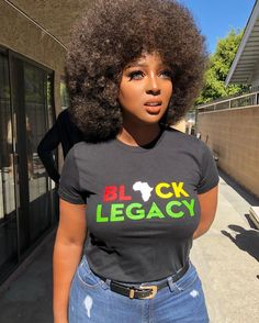 Afro hairstyles express the spirit and natural beauty of African American hair Dark Skin Beauty, Hair Beauty, Black Beauty, Pelo Afro, Ebony Girls, My Black Is Beautiful, Ebony Beauty, Black Girls Rock, Black Girls Hairstyles