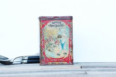French charming  decorated metal box with by Frenchvintagecharm