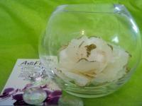VASE BOULE et sa ROSE blanche satin et or paillettes fleur artificielle