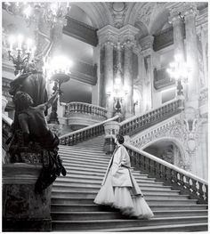 Dior's tulle ballgown on the grand staircase at the Paris Opera, 1948 Photo by Clifford Coffin