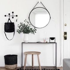 6 essentials for a functional entryway.