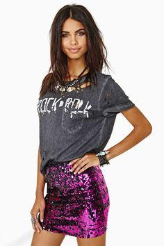 All over sequined stretchable material with a black waistband too.Purchased from a boutique on Posh Audrey Skirts Mini Sequin Mini Skirts, Sequin Skirt, Street Style, Rocker Chic, Up Girl, Looks Cool, Mode Inspiration, Womens Fashion, Fashion Trends