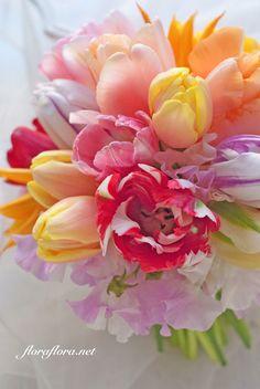 ❤ﻸ•·˙❤•·˙ﻸ❤ ᘡℓvᘠ □☆□ ❉ღ // ✧彡●⊱❊⊰✦❁❀ ‿ ❀ ·✳︎· ☘‿MO JUN 12 2017‿☘✨ ✤ ॐ ⚜✧ ❦ ♥ ⭐ ♢❃ ♦♡ ❊☘‿ нανє α ηι¢є ∂αу ☘‿❊ ღ 彡✦ ❁ ༺✿༻✨ ♥ ♫ ~*~ ♆❤ ☾♪♕✫ ❁ ✦●↠ ஜℓvஜ .❤ﻸ•·˙❤•·˙ﻸ❤ Tulip Wedding Arrangements, Flower Arrangement, Sicily Wedding, Bouquet Wrap, Amazing Flowers, Pretty Flowers, Floral Bouquets, Wedding Bouquets, Wedding Flowers