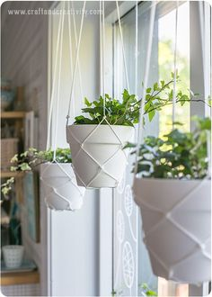 Macramé hanging planters - by Craft & Creativity