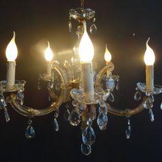 kristallen kroonluchter met pegels en vijf armen