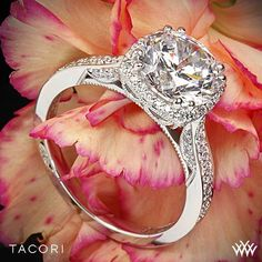 Tacori Dantela Crown Diamond Engagement Ring