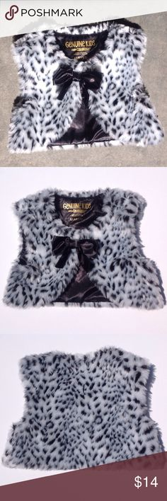Genuine Kids from OshKosh Animal Print Vest Black and white girls animal print vest with satin bow and snap collar. Polyester/acrylic. Size label M/M 3T Color most accurate in photo 2 Osh Kosh Jackets & Coats Vests