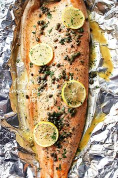 Flourless Salmon Piccata in Foil recipe: Flourless Salmon Piccata in Foil - A healthy and incredibly delicious dinner with flourless piccata sauce poured over salmon and cooked in foil. Healthy Salmon Recipes, Fish Recipes, Seafood Recipes, Dinner Recipes, Cooking Recipes, Seafood Dishes, Recipies, What's Cooking, Healthy Dinners