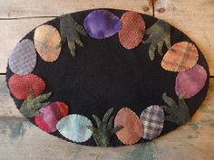 Another gem from Patti. Wool - 5 Ways To Make Money From Home With Fleece Owning wool producing an Penny Rug Patterns, Wool Applique Patterns, Felt Patterns, Felt Applique, Felted Wool Crafts, Felt Crafts, Easter Crafts, Hand Sewing Projects, Felt Projects
