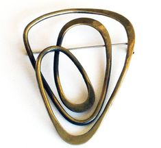 Accessories - Art Smith American Brooch, c 1955 Brass Stamped Art Smith 3 wide x 2 high Brass Jewelry, Jewelry Art, Antique Jewelry, Vintage Jewelry, Handmade Jewelry, Jewelry Design, Contemporary Jewellery, Modern Jewelry, Metal Forming
