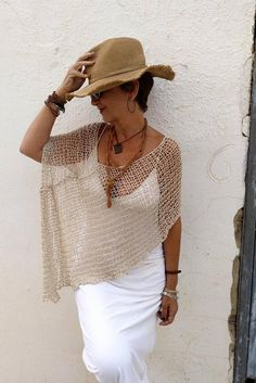 Boho chic outfits - Boho chic clothing, summer linen and silk poncho, rustic wedding dress cover up, neutral bohemian clothings, hippie chic poncho – Boho chic outfits Hippie Chic, Boho Outfits, Summer Outfits, Denim Outfits, Style Bobo Chic, Bohemian Schick, Boho Fashion Over 40, Rustic Wedding Dresses, Summer Clothing