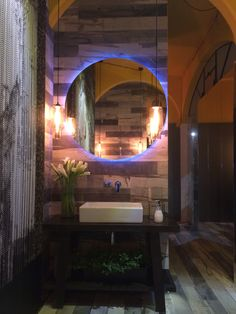THE BATH - Katherine Rahal  - CasaCor 2014 Powder Rooms, Bathroom Lighting, My Design, Bathtub, Decorating Ideas, Mirror, Cool Stuff, Furniture, Beautiful