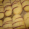 bonjour       Des biscuits a la noix de coco très fondant avec une touche... Fondant, Beignets, Snack Recipes, Snacks, Biscuit Cookies, Muffin, Lemon, Chips, Sweets