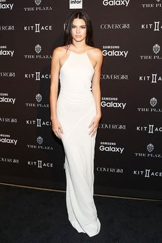 Kendall Jenner's Photogenic Trick She Uses in EVERY Picture. #kendalljenner #styletips #fashion