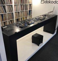 - Home Studio - Elektronics Music Studio Room, Studio Setup, Audio Studio, Audio Furniture, Dj Dj Dj, Dj Stand, Dj Table, Dj Setup, Recording Studio Home