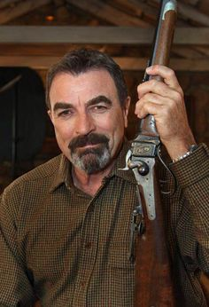 TOM SELLECK= A Shiloh Sharps Number 3 Rifle is today's featured gun. It is one of three manufactured at the Shiloh Sharps factory in Big Timber, Montana for use by actor Tom Selleck in the 1990 film, Quigley Down Under. Shiloh Sharps, Jesse Stone, Sewing Humor, Girls Toms, Quilting Quotes, Sewing Quotes, Tom Selleck, Le Far West, Hey Girl