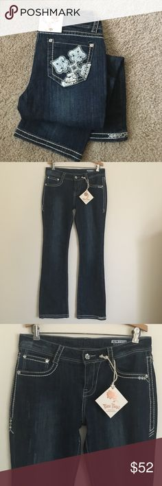 """Rose Royce 30 straight leg embellished jeans Fun and trendy Rose Royce premium boot cut embellished jeans in a size 30 or 11/12. Dimensions taken while jeans lying flat: 34""""  across top, 38"""" across hips 9"""" rise, 33"""" in length, 9"""" pant leg width. Rose Royce Jeans Flare & Wide Leg"""