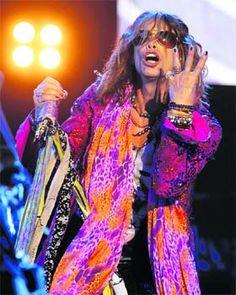pink cullah steven tyler | HOT PINK: Steven Tyler, the lead singer of rock band Aerosmith ...