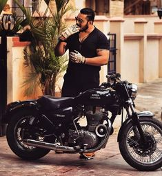 Cars Discover Motorcycle For Men Motorbikes Cars 30 Ideas For 2019 Enfield Bike, Enfield Motorcycle, Bobber Motorcycle, Motorcycle Style, Motorcycles, Classic 350 Royal Enfield, Enfield Classic, Bullet Modified, Enfield Electra