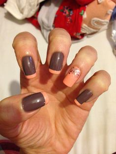 Brown & peach natural nails