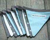 Guirlande fanions en tissu modèle 8 dans les tons de gris et bleu : Décoration par neledisapersonne