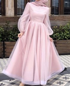 ملابس Drip drip drip…that darn leaky faucet! Hijab Prom Dress, Hijab Evening Dress, Muslim Dress, Dress Outfits, Dress Shoes, Shoes Heels, Modest Fashion Hijab, Muslim Fashion, Fashion Dresses