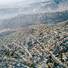 A shot of Mexico City that I came across recently in an exhibition in SF MoMA. The photograph by Pablo López Luz, and shows the sprawling density of Mexico City from above. Dubrovnik, Mexico City, Df Mexico, Visit Mexico, Places Around The World, Around The Worlds, City From Above, Terrazo, Les Cascades
