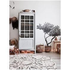 Beautifully styled corner by @jauraispumappelermarcel on Instagram using our Croatian Tree Fabric Sticker :)