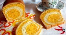 Sütőtökös csíkos kalács recept képpel. Hozzávalók és az elkészítés részletes leírása. A Sütőtökös csíkos kalács elkészítési ideje: 55 perc Hungarian Recipes, Hungarian Food, Cornbread, French Toast, Pudding, Breakfast, Ethnic Recipes, Desserts, Halloween
