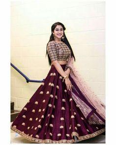 The talented Reginaa Cassandraa in Mythili lehenga from Meenakshi collection Of Mrunalini Rao.Styled by Anu Pellakuru . Indian Wedding Outfits, Bridal Outfits, Indian Outfits, Eid Outfits, Pakistani Outfits, Indian Clothes, Bridal Dresses, Half Saree Designs, Lehenga Designs