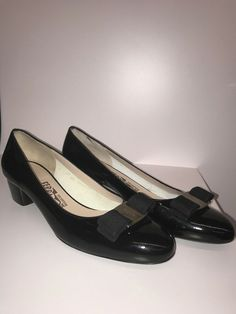 908302e28 NEW Salvatore Ferragamo Vara Bow Pump Shoe Black Patent Leather 8.5 AA 3cm  #fashion #